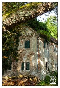 abandoned house, abandoned place, old house, lost place