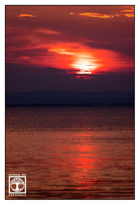 Italy, Lazise, Italia, sunset, lago di Garda, lake garda, dramatic sunset