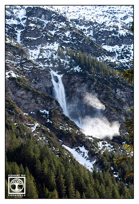 avalanche, snow in the mountains
