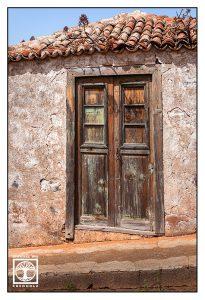 old door, santo domingo, garafia, la palma, old wooden door
