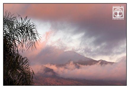 pink clouds, la palma mountains, la palma sunset, pink sunset, pink mountain sunset