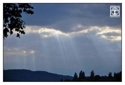 light clouds, light darkness