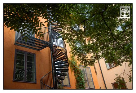 Treppe, Feuerleiter, oranges Haus, Stockholm, Schweden