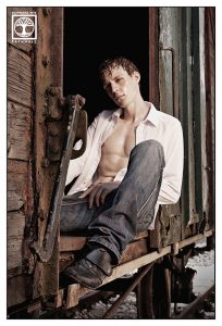 sexy man shooting, sexy boy shooting, train photoshoot, open shirt photoshoot, jeans photoshoot man
