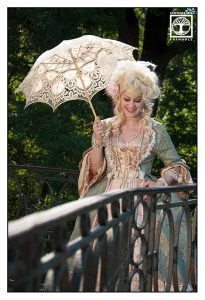 funny outtakes photoshooting, castle photoshooting, marie antoinette photoshooting, princess photoshooting