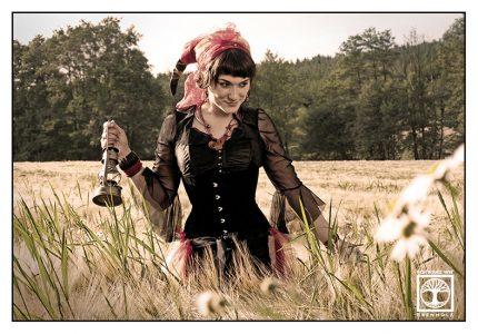 gypsy photoshoot, cornfield photoshoot