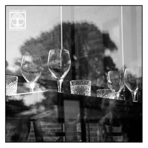 restaurant, glasses stillife, glasses blackandwhite, restaurant blackandwhite, still-life blackandwhite