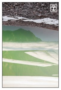 Surrealismus, Surreale Fotografie, Reflexion Wasser, Spiegelung Wasser, Spiegelung See, abstrakte Fotografie, Foto abstrakt, Eisschollen