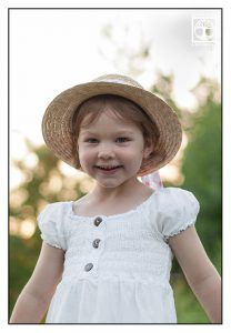 little girl with hat, little girl, child photoshoot, kids photoshoot, children photoshoot, little girl photoshoot