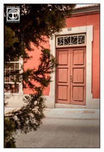 orange door, orange wooden door, los llanos, los llanos de aridane, la palma