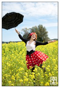 funny outtakes photoshooting, polkadot photoshooting, vintage photoshooting, mary poppins photoshooting, canola photoshooting