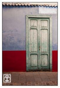 blue door, blue wooden door, la palma, Los Llanos de Aridane, Los Llanos
