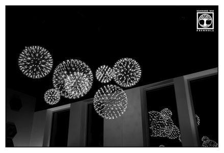 Surrealismus, Surreale Fotografie, Reflexion Fenster, Spiegelung Fenster, Spiegelung glas, reflexion glas, abstrakte fotografie, punkt linie fläche fotografie, punkt fotografie