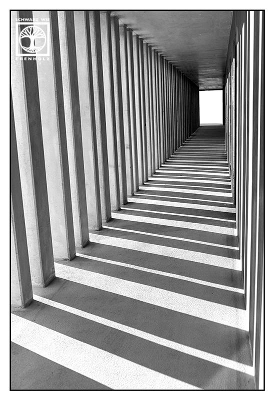 abstrakte fotografie, punkt linie fläche fotografie, linie fotografie, schwarzweiss, schwarzweiss foto, tunnel