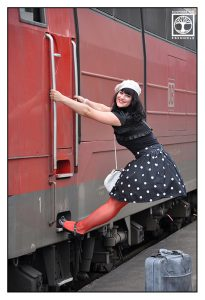 funny outtakes photoshooting, train photoshooting, polkadot photoshooting, vintage photoshooting