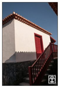 red door, red stairs, san andres, la palma
