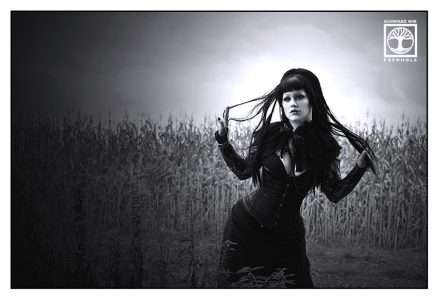 goth photoshoot, goth photo shooting, goth black and white