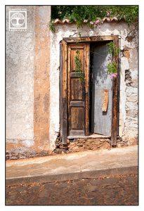 old door, abandoned building, abandoned house, old wooden door, la palma, santo domingo, garafía