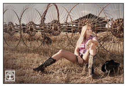 cowgirl photoshoot, cowgirl photoshooting, cowgirl field
